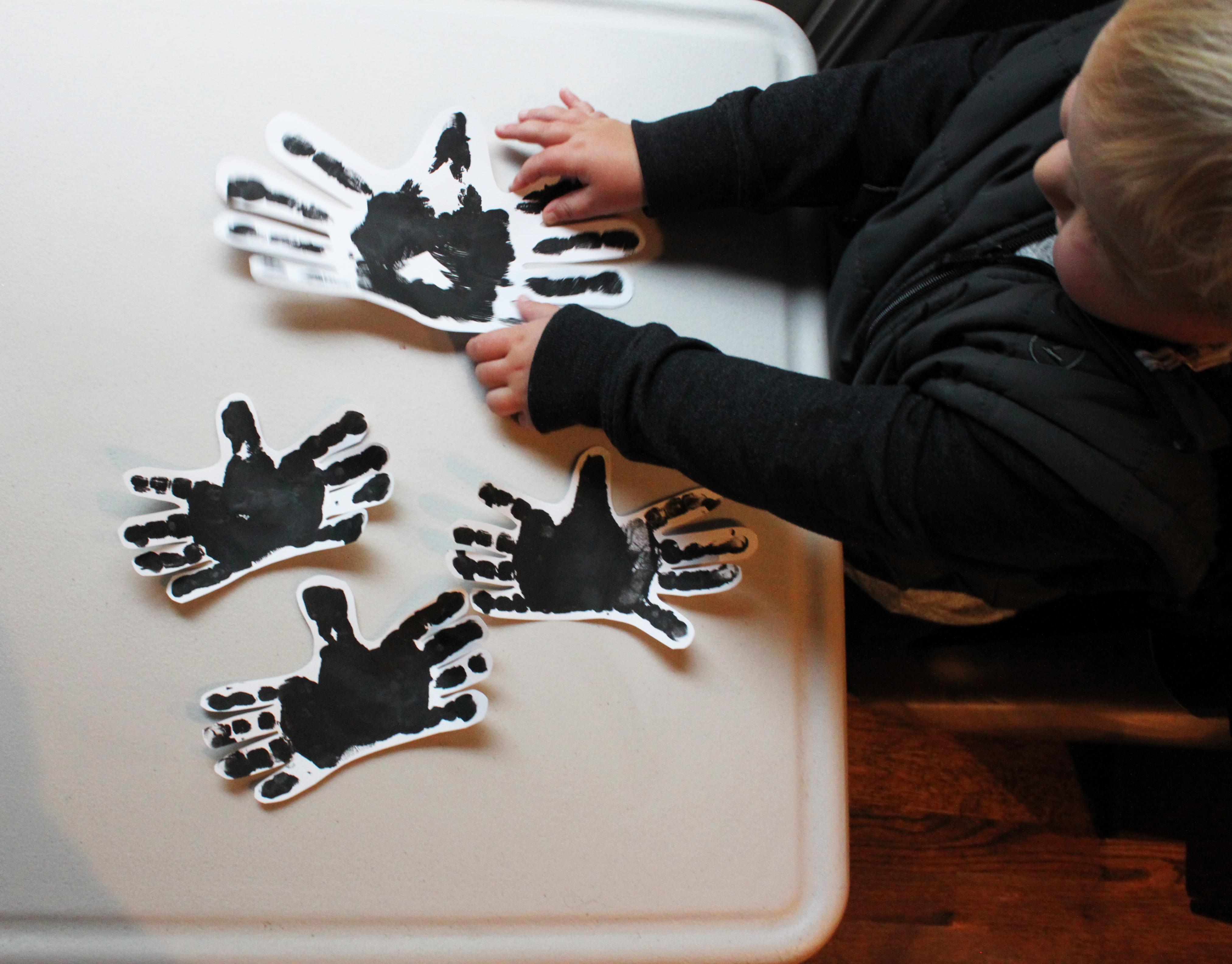Handprint Spiders 3