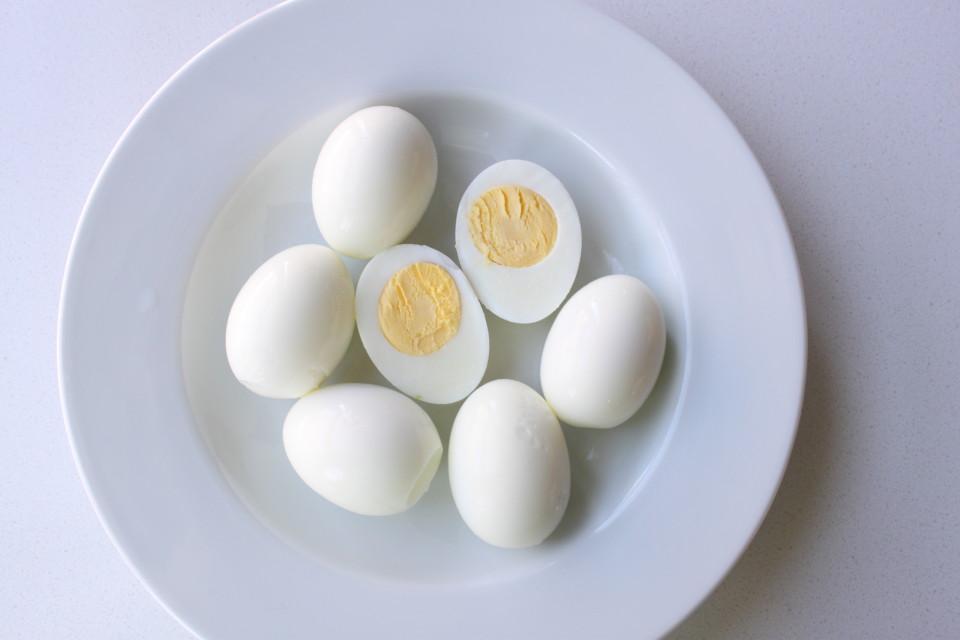 easy to peel hardboiled eggs